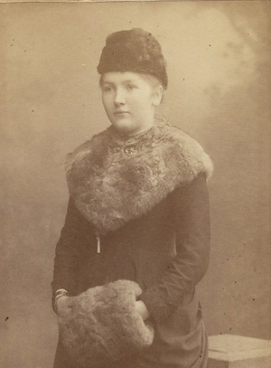 Leyla Hanım, paskutiniojo sultono Vahdetino žmonos tarnaitė, irgi paliko prisiminimus, nuobodžius europiečiams