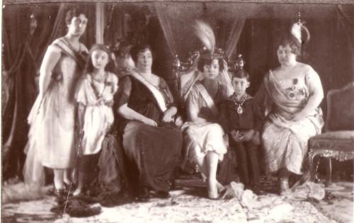 Osmanų dinastijos narių (kai kurių sultono dukrų ir giminaičių) nuotrauka 1920